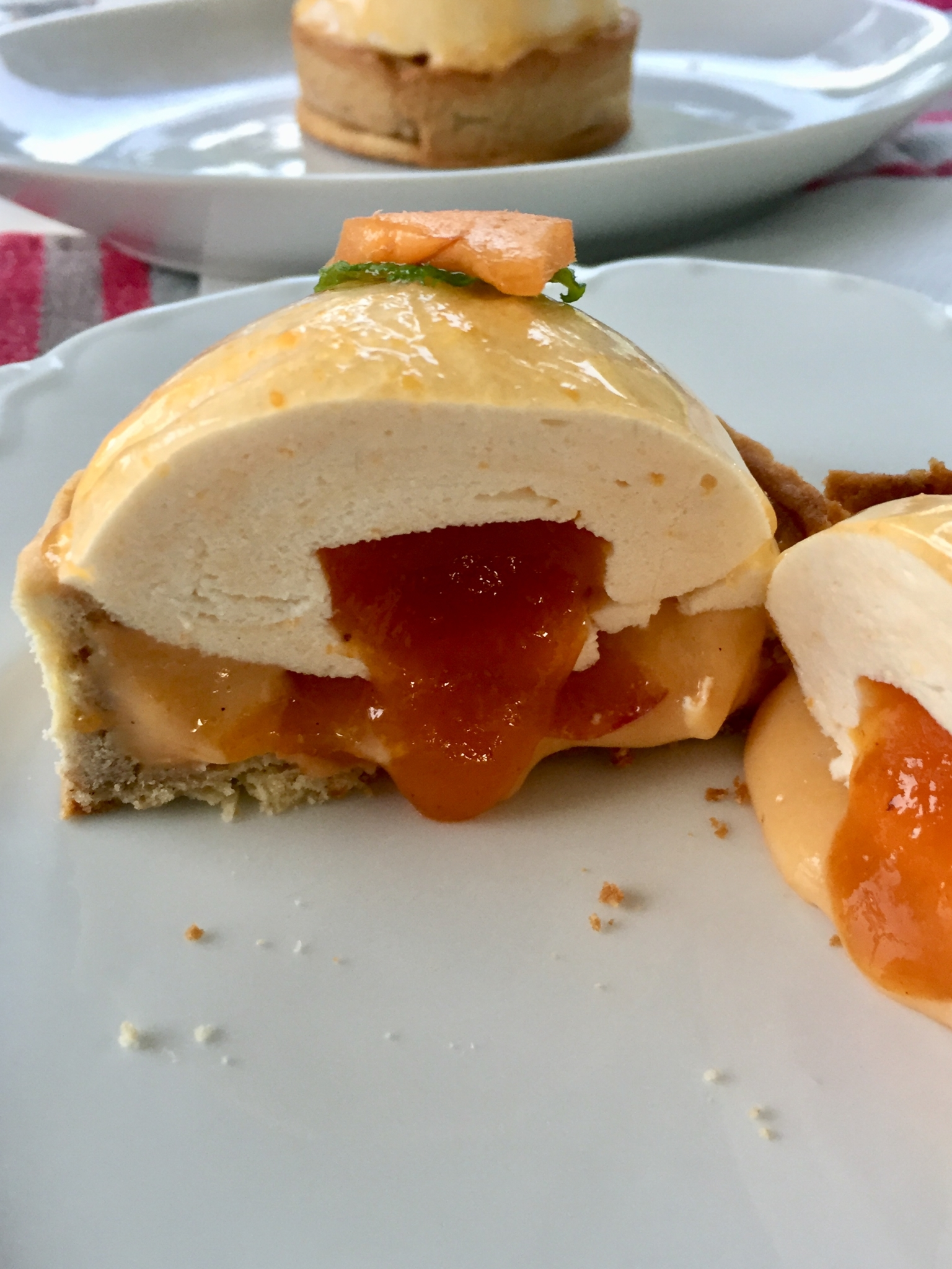 Dômes abricots par Jonathan Blot adaptés sans gluten
